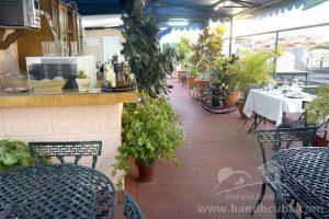 Terrace Hostal Amigos de Barcelo.JPG.800x600 q72
