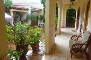 casa paricular trinidad hostal colina patio01